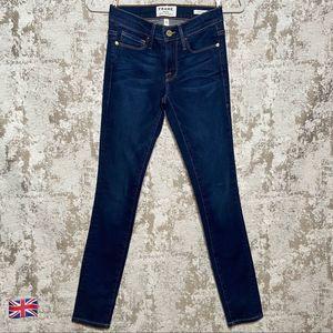 Frame Le Skinny De Jeanne Jeans in Redchurch Wash